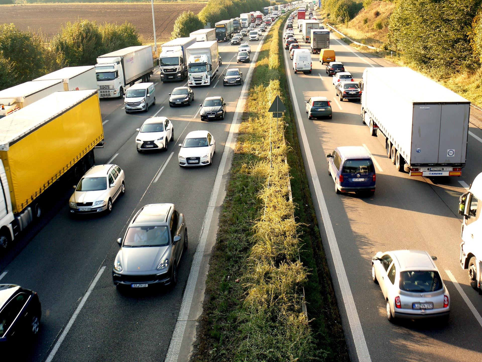 Sledujte dopravní situaci v Chorvatsku pomocí 260 dopravních kamer Axis v mobilní aplikaci HAK - 01