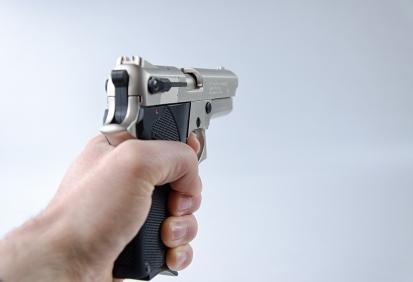 Na držitele zbrojního průkazu se vztahují určitá práva a povinnosti