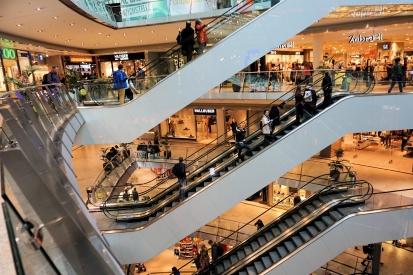 Krádeže na veřejných prostranstvích i v obchodních centrech jsou u zlodějů stále v kurzu